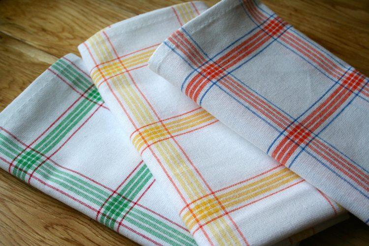 Крпите се валкани и имаат лош мирис и по перењето? – еве што да направите