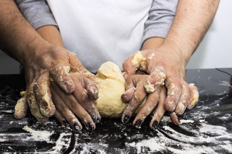 Матено тесто: Од него се прават највкусните колачи, а ова е основниот рецепт и финта поради која секогаш успева