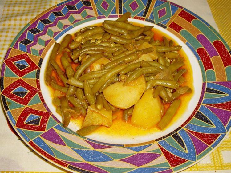 Ручек со боранија и компир – вкусни чинии на трпеза