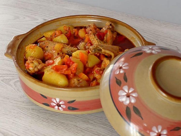 Богато и вкусно јадење: Ѓувеч по турски рецепт