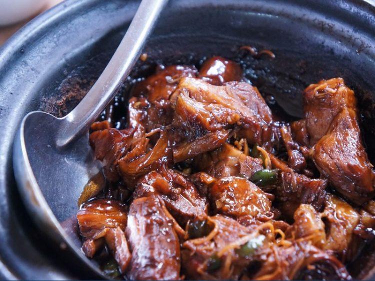 Тетовска тава: Традиционален Македонски специјалитет од 4 вида месо