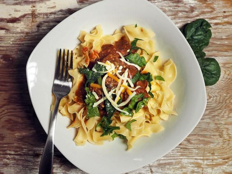 Потпечен зеленчук со макарони