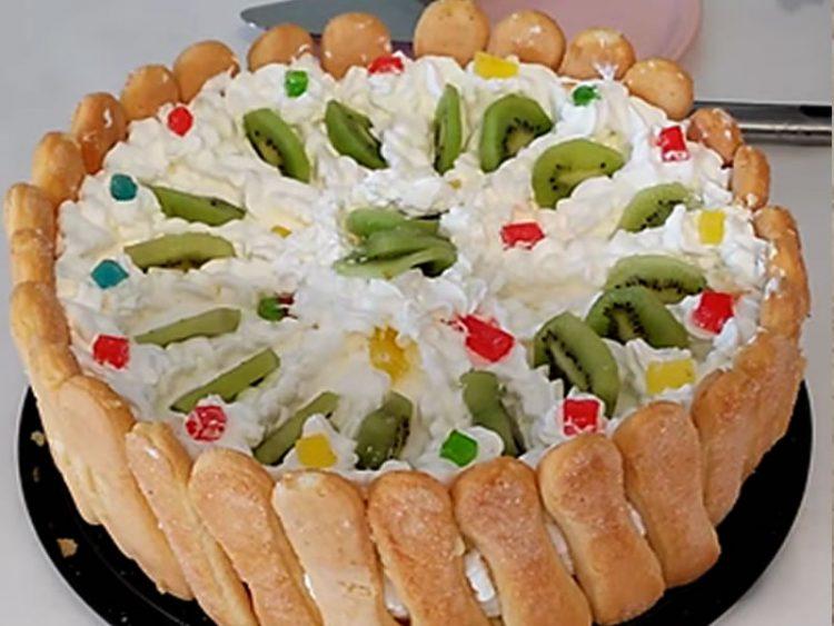 Торта со пишкоти и овојче по избор – десерт по кој се памети летото