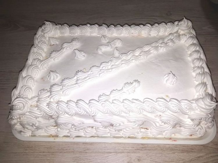 "Пробајте да изедете само едно парче: Торта ""Пустинска олуја"""