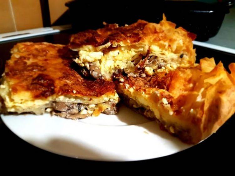 Повкусна од бурек: Брза гибаница со мелено месо