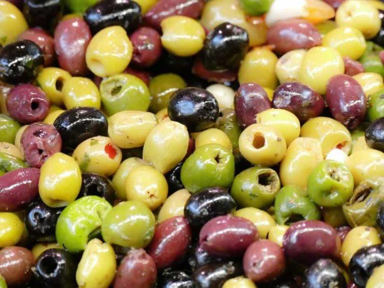 Спектакуларно вкусно: Диетален и вкусен намаз од маслинки