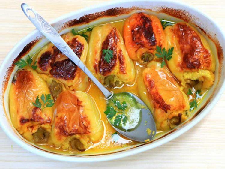 Посен деликатес кој мора да го пробате: Полнети пиперки со макарони