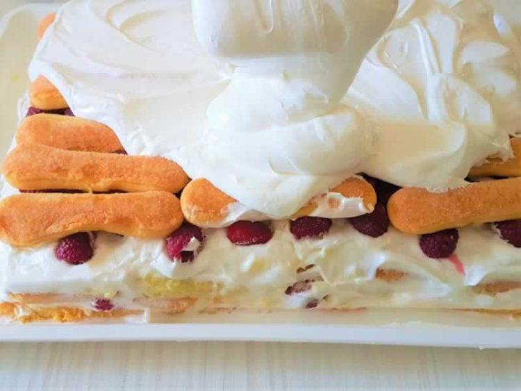 Крем торта со пишкоти готова за 10 минути