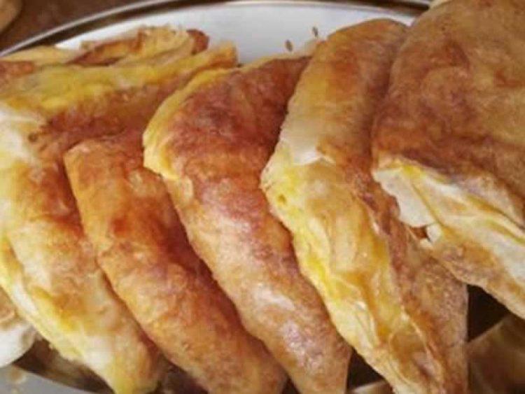 Мирис на пециво од рано наутро: Триаголници со сирење