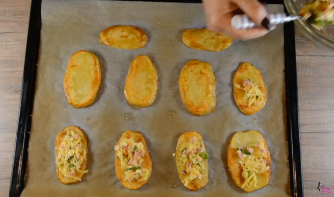 Компир плочки со богат фил – повкусно од помфрит и печен компир