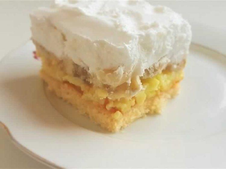 Десерт по работниот ден: Брз колач со кокос, евтин и вкусен