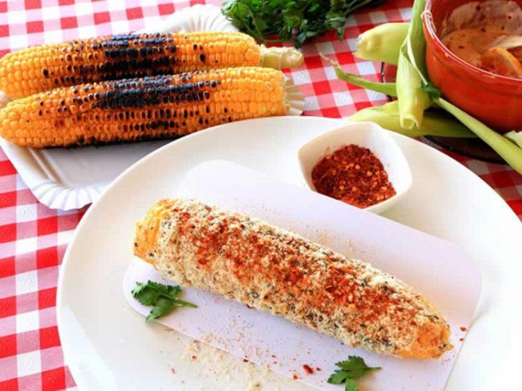 Печена пченка со мексикански сос