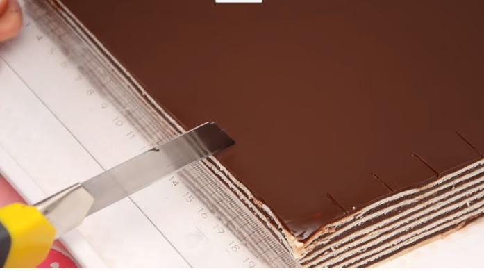 Чоколадна глазура за секој десерт – нема да пукне при сечењето