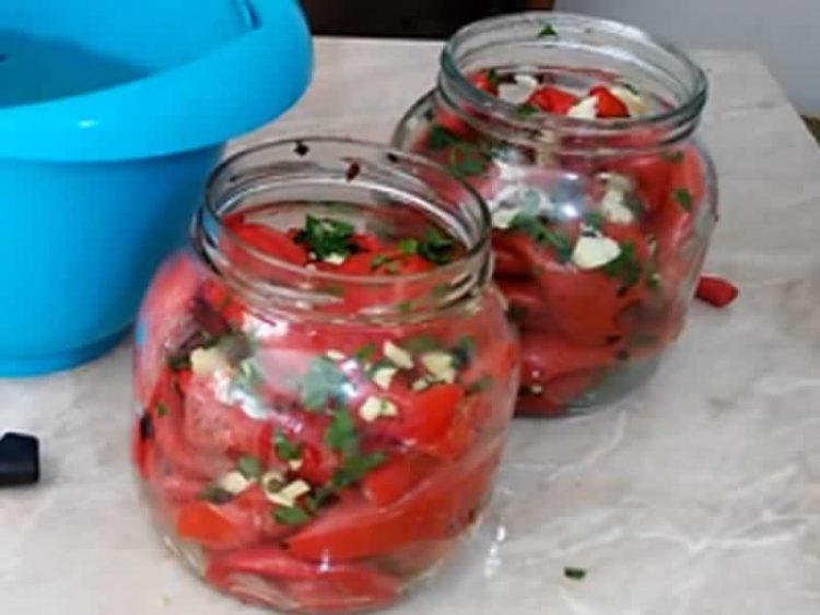 Најздравиот рецепт за печени пиперки во тегла