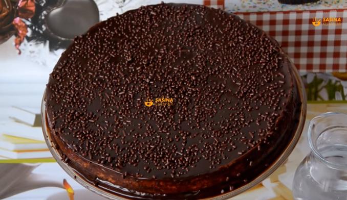Вкусна округла чоколадна торта – еве што е тајната
