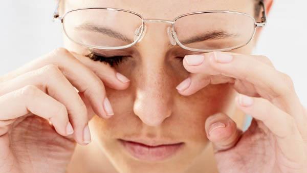 Ве печат очите од канцелариска работа? – направете си гел дома