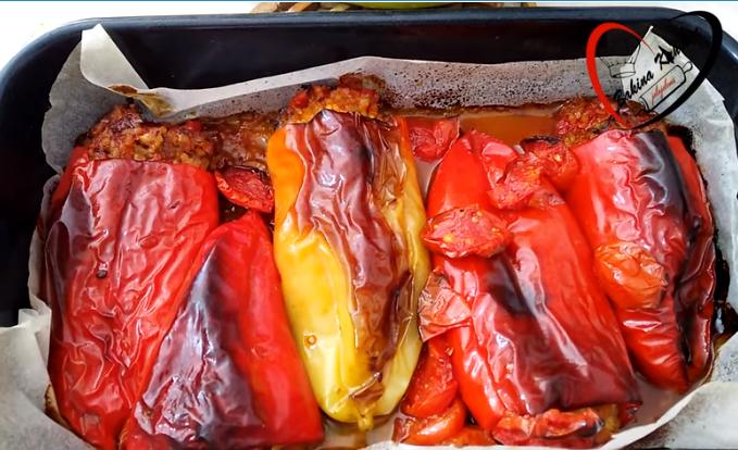 Полнети пиперки со шампињони – не сте јаделе ваков деликатес