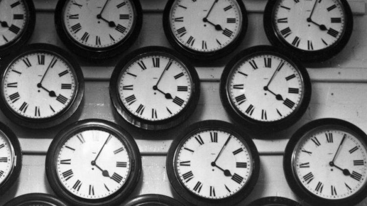 Вечерва не заборавајте на ова: Поместете ги стрелките на часовникот