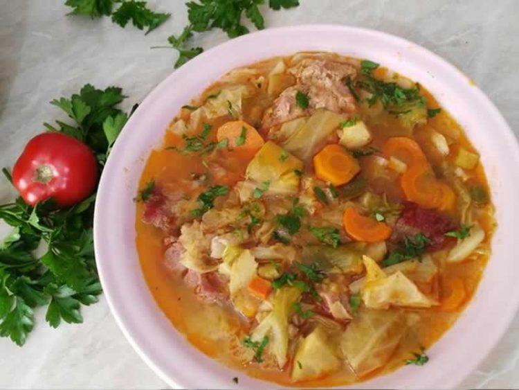 Слатка зелка со мелено месо: Неодолив ручек преполн со витамини!
