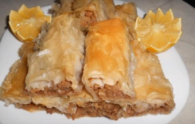 Се топи во уста: Мека пита со јаболки