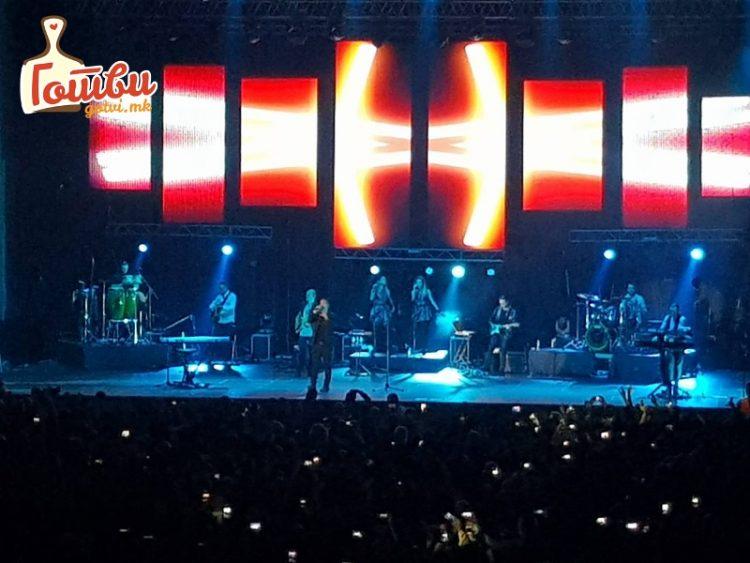 ФОТО: Дел од атмосферата на концертот на Жељко Јоксимовиќ