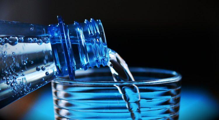 Пиела 3 литри вода на ден – резултатот е целосна трансформација