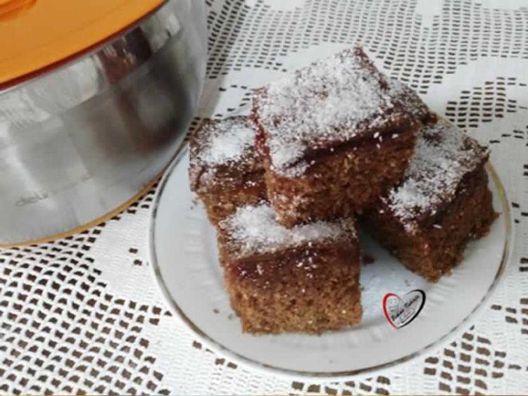Чоколаден колач без јајца, готов за миг: Рецепт кој им успева на сите!