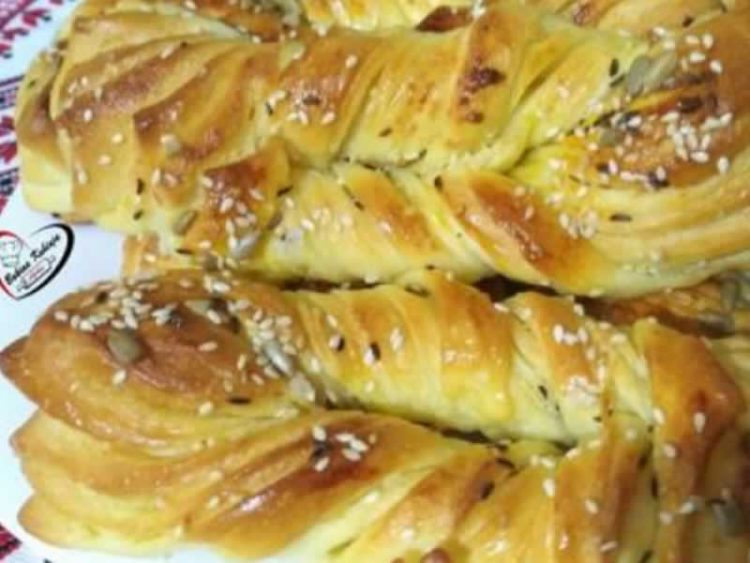 Уживајте во највкусното лиснато крцкаво печиво (Видео)