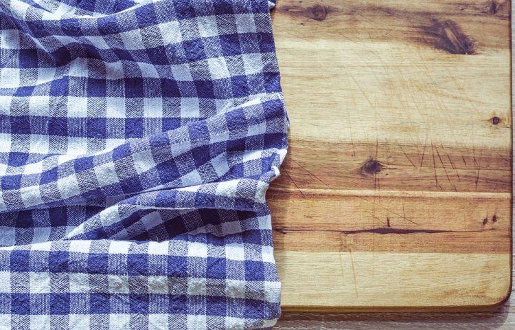 Повалкани се од врата на тоалет – Предмети кои често треба да ги менуваме во кујна