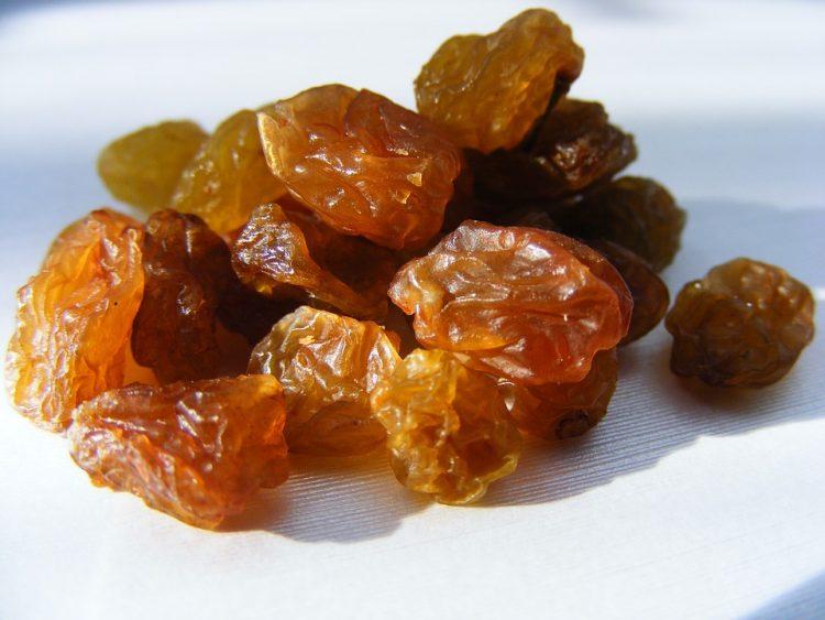 Науката потврди – Јадете суво грозје, превенира голем здравствен проблем