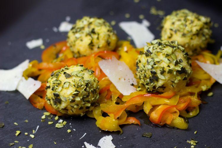 Само матите во сад, готови за миг: Бомбици од сирење