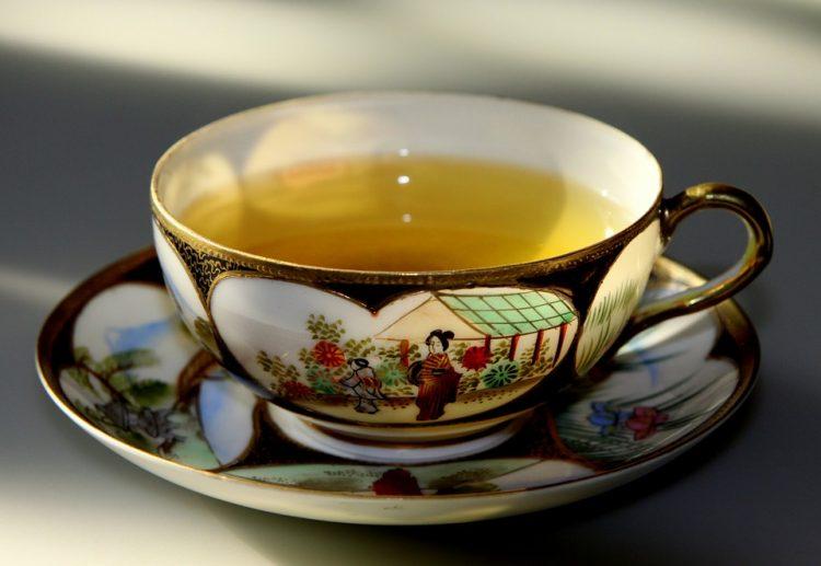 Здрави како дрен: Домашен рецепт за напивка која лечи настинка и го зајакнува имунитетот