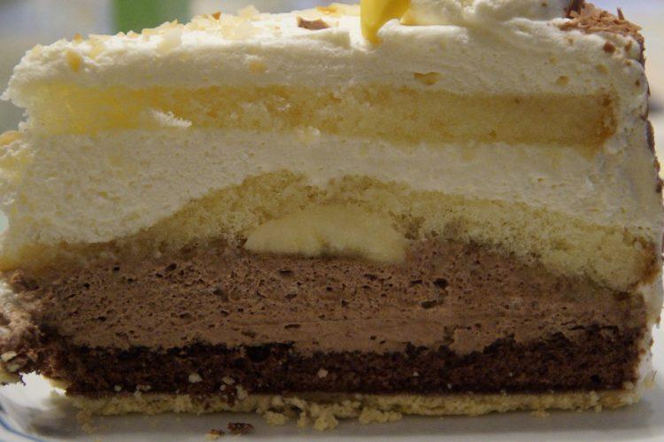 Банана торта за која нема да вклучите рерна – евтин десерт