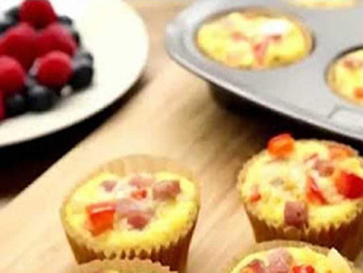 Домашен рецепт: Мафини со шунка готови за 15 минути