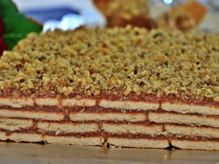 Десерт за 15 минути без печење: Бисквит колач со два фила