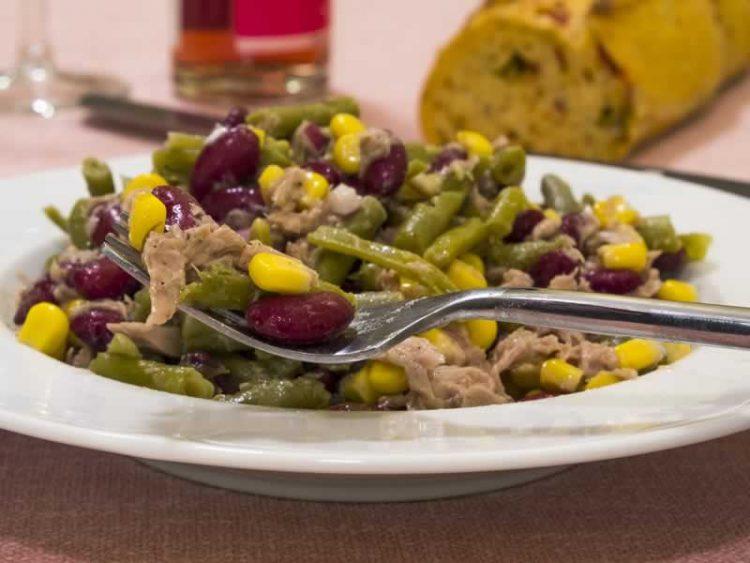 Брза и многу заситува: Туна салата со пченка