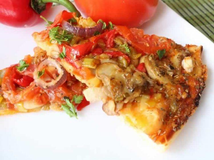 Витаминска посна пица: Сочна, здрава и полна со зеленчук