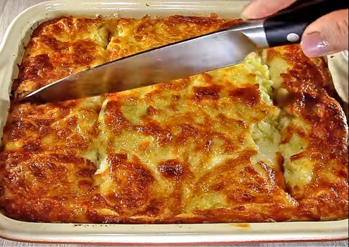 Евтино и вкусно јадење од компири: Запечена мусака со пилешко и јогурт