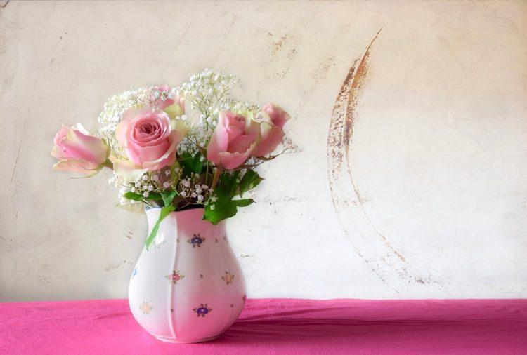 """Вака цвеќето во вазна нема да ви овене брзо – Решението """"лежи"""" во 20 денари"""