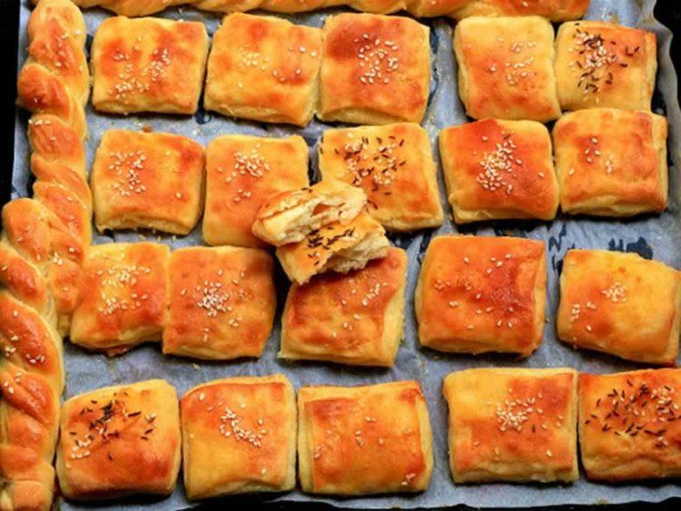 Погачици со сирење и кајмак, повкусни немате пробано (Видео)