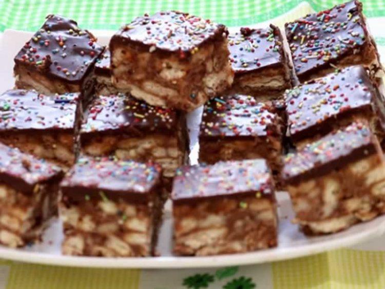 Трик за највкусни торти и колачи: Правете го ова и нема да згрешите никогаш