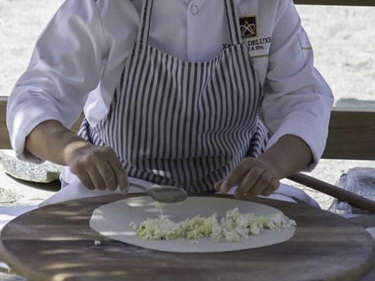 Ѓозлеме: Најубавото турско печиво полнето со сирење