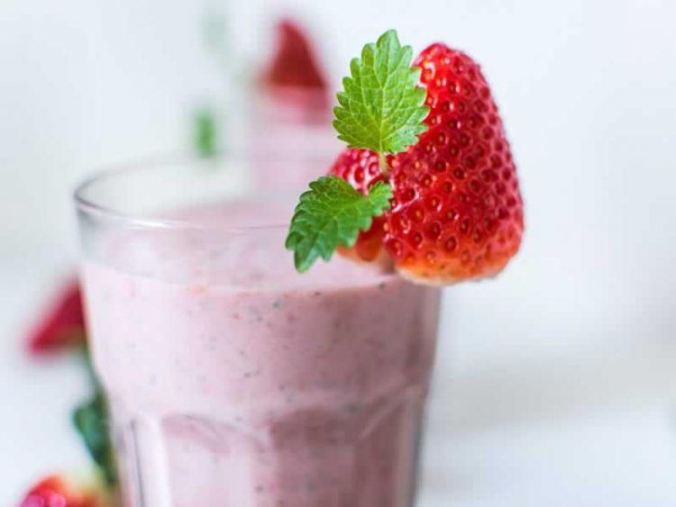 Здрава ужина: Шејк од ѓумбир и шумско овошје