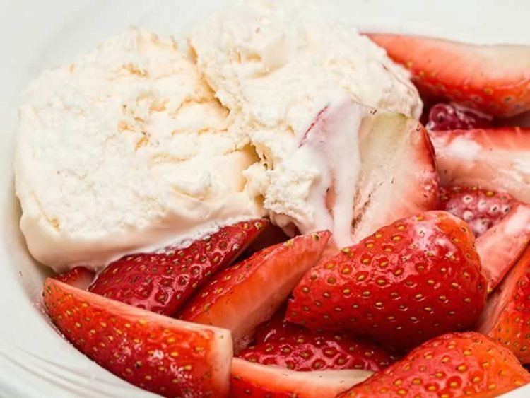 Домашен сладолед со слатка павлака и јогурт