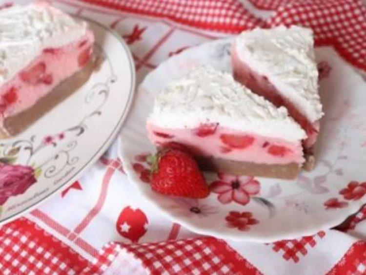 Бисквит торта со многу овошје – нема вклучување рерна на горештините
