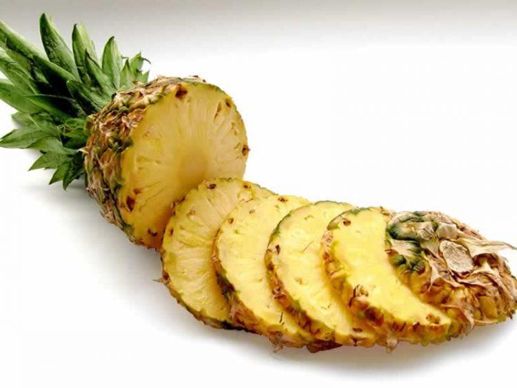 Природен еликсир на младоста: Ова овошје ги брише брчките како од шега
