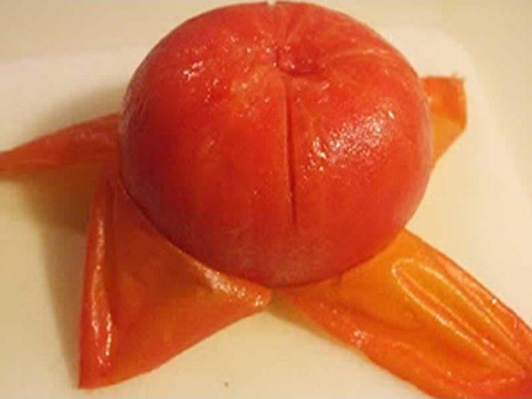 Супер совет: Еве како да излупите домати за само 30 секунди (Видео)