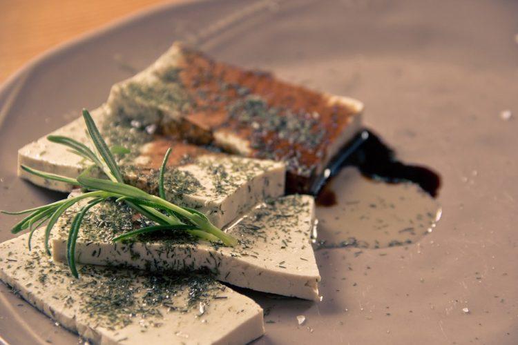 Здравје во секое парче – Што е тофу сирење и како се добива