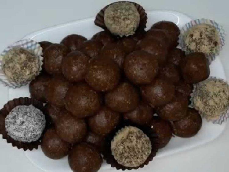 Десерт за 15 минути: Топчиња од медени срца и бисквити