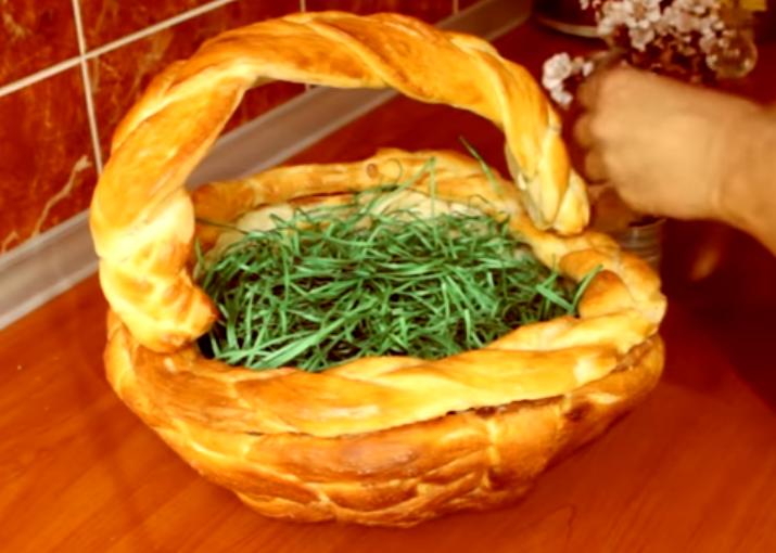 ВИДЕО: Направете Велигденска корпа од тесто – Состојките ги имате дома